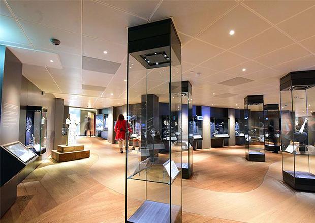 Imaginative Wood Floor Installations (Jorvik Viking Museum)