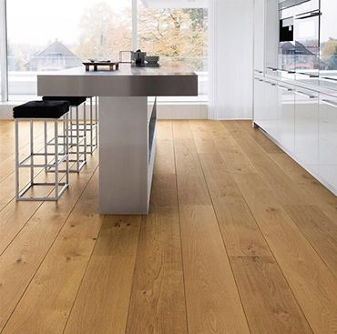 The Natural Beauty of Oak Flooring (NOT YELLOW)   Case Study