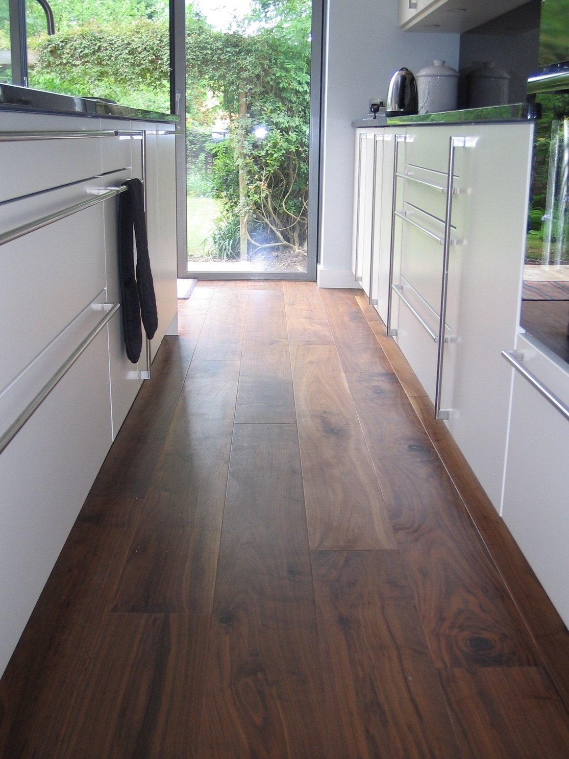 Oiled Walnut in a Kitchen – The Solid Wood Flooring Company
