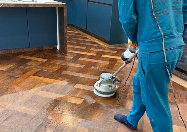 """How To Create A """"Glossier"""" Look To Your Wood Floor"""