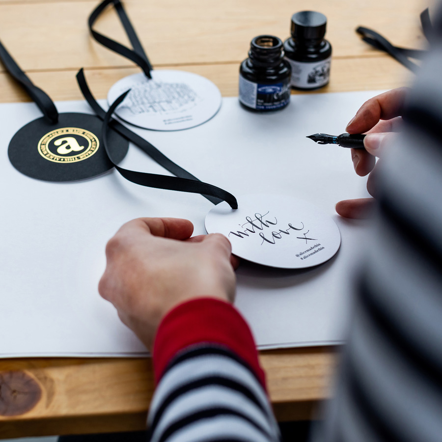 <p>Each gift set is delivered in a beautiful box with a black and gold, ribbon hung, gift-tag. A calligraphy <em>'with love'</em> is hand written on eachtag by illsutrator Polly Crossman.</p>