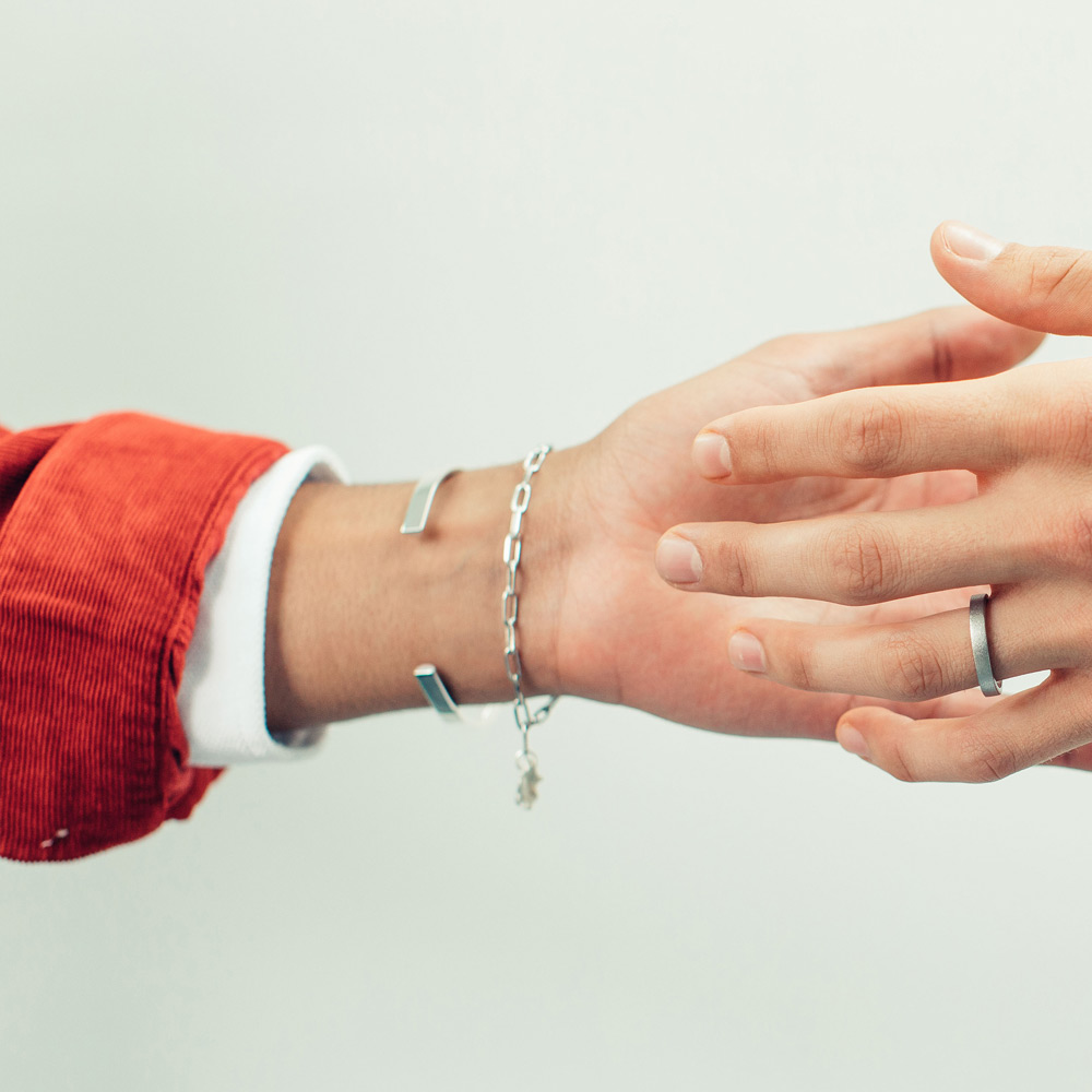 Our water-cast collection uses zero-waste fine silver. It symbolises new beginnings and optimism.
