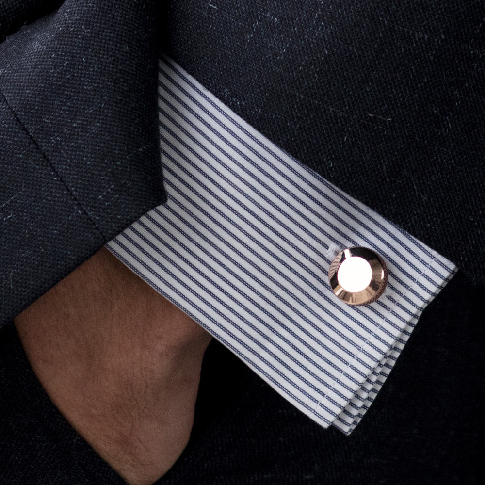 """""""Beautifully crafted, can't find cufflinks like this anywhere else.""""<em>Tay</em>"""